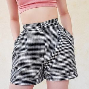 True vintage high rise shorts with pockets